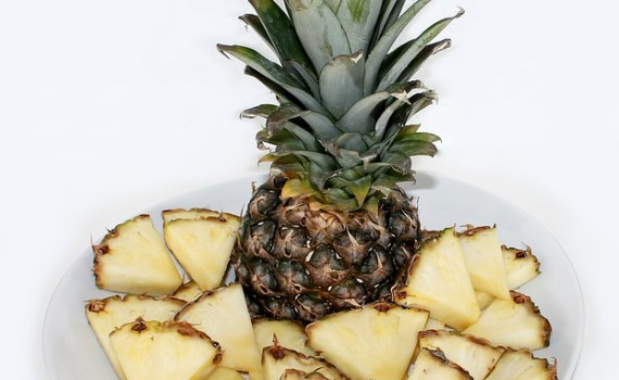 marinovany_ananas_s_citronovuo_travou_recept